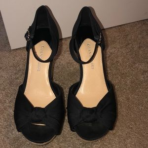 Black summer wedges!